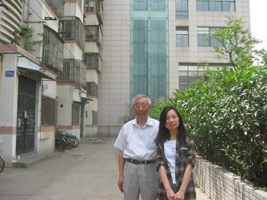 韩文光-- 2011.4 在家中会见志愿者徐培莉