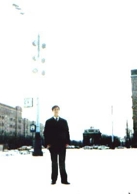 凯旋门:我在库图佐夫凯旋门前照的,远处是这个门 lajiao