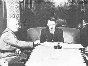 1943年7月,墨索里尼赴德国向希特勒请求援兵。
