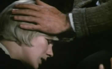 在这困难关口,玛格丽特来到了他的身边