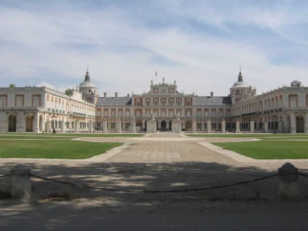 西班牙著名的阿兰胡埃斯王宫