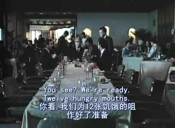 马特奥回到了罗马,他在一家餐厅订下了12个人的聚会餐位,结果到场的只有他和两个儿子卡尼和古列尔莫