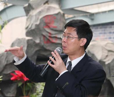 作者 苏毅