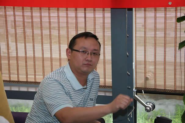 凌��代表在莫迷网联成立会议上