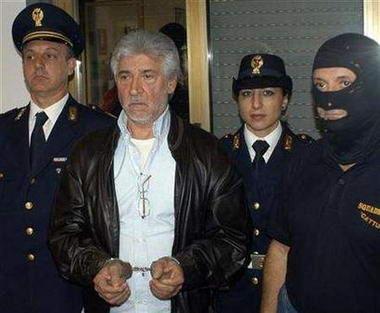 """意大利警方11月5日逮捕了西西里黑手党""""教父中的教父""""萨尔瓦托雷-皮科洛"""