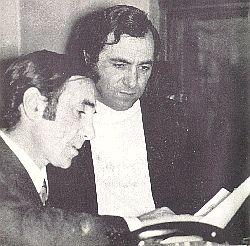 查理 阿兹纳乌尔(左)和若莱士 嘎尔瓦伦茨(右)