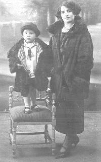 帕索里尼与母亲,1925年