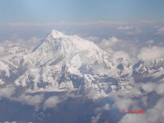 如果你想抛开城市喧嚣,享受宁静的田园生活,请去尼泊尔;如果你想要体验极限运动的惊险与刺激,也请到尼泊尔。