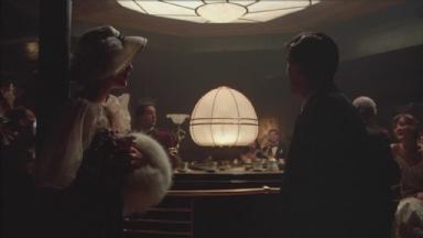 -3-Noodles出狱后和Deborah重逢时,Fat Moe要求乐队开始演奏的音乐