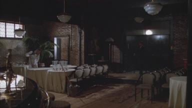 -5-Noodles从车站回到酒吧,Max说话之前众人的状态,Cockeye吹奏