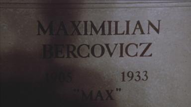 -5-墓地中Max和另外二人刻在石头上的名字出现时
