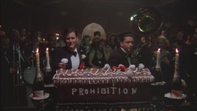-4-禁酒令解除后的聚会,蛋糕棺材