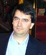 乔万尼 莫里康内( Giovanni Morricone ) 是埃尼奥 莫里康内最小的儿子.他现在居住在纽约,他的职业包括导演,制片人还有演员等等(见IMDB介绍),他曾作为助理导演和演员参加了这部电影的制作