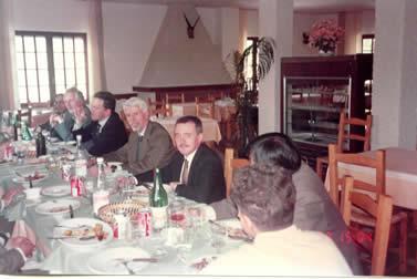在这里,热情好客的主人请我们尝到了撒丁岛上牧羊人常吃的一种叫CARASAV的薄饼