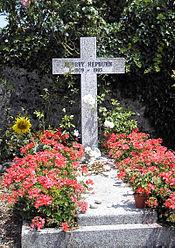 奥黛丽・赫本在瑞士托洛彻纳茨的墓地 (Tolochenaz, Switzerland)